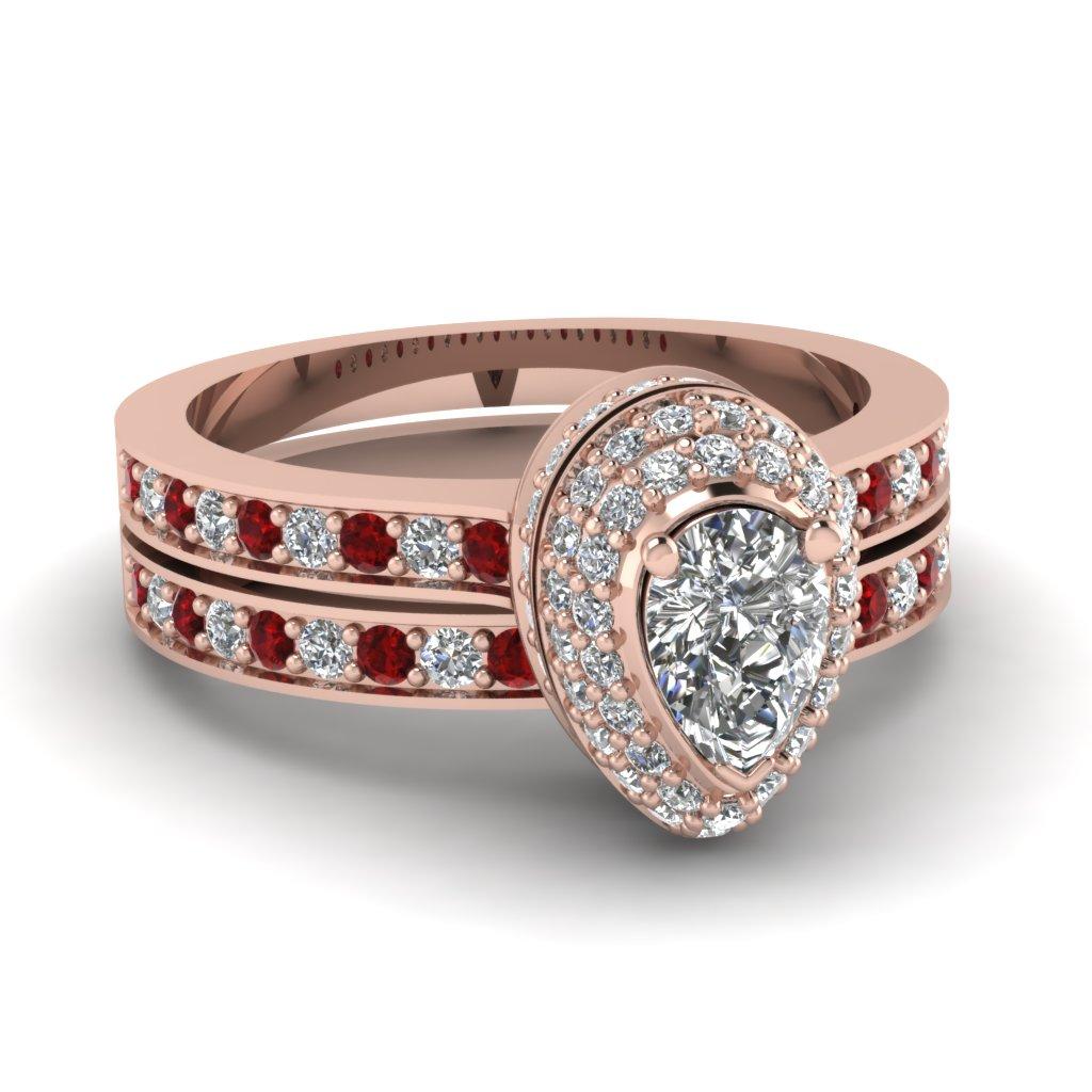 Prodigious Pear Set Fascinating Diamonds