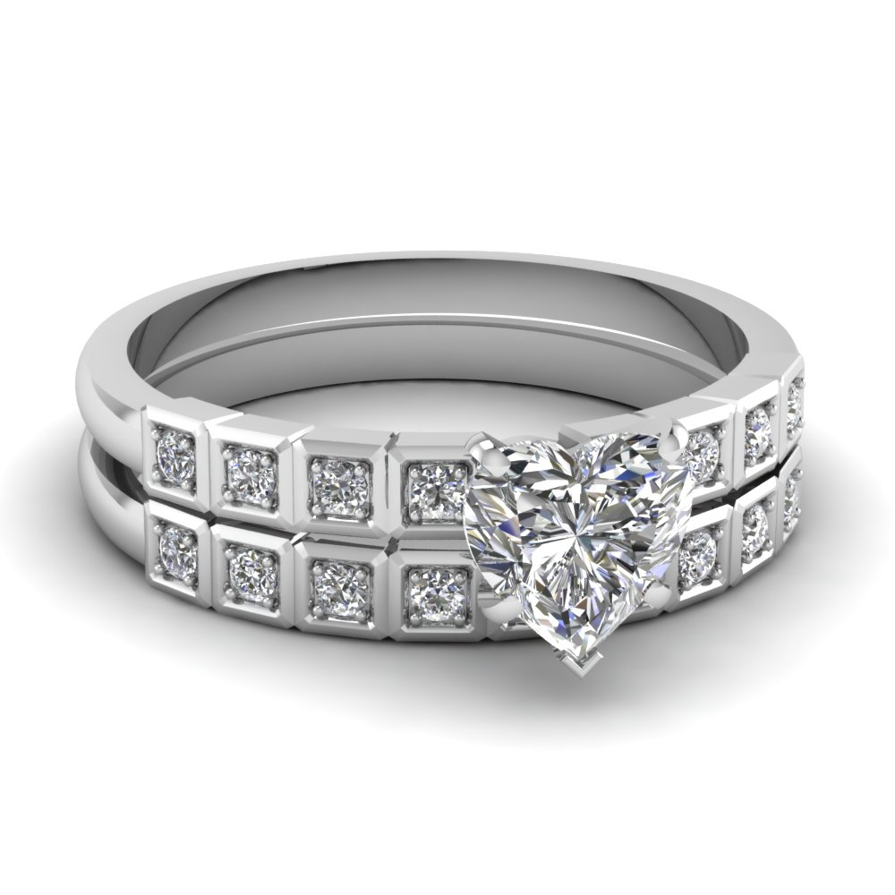 Heart Shaped Diamond Engagement Rings With White Diamonds In 950 Platinum