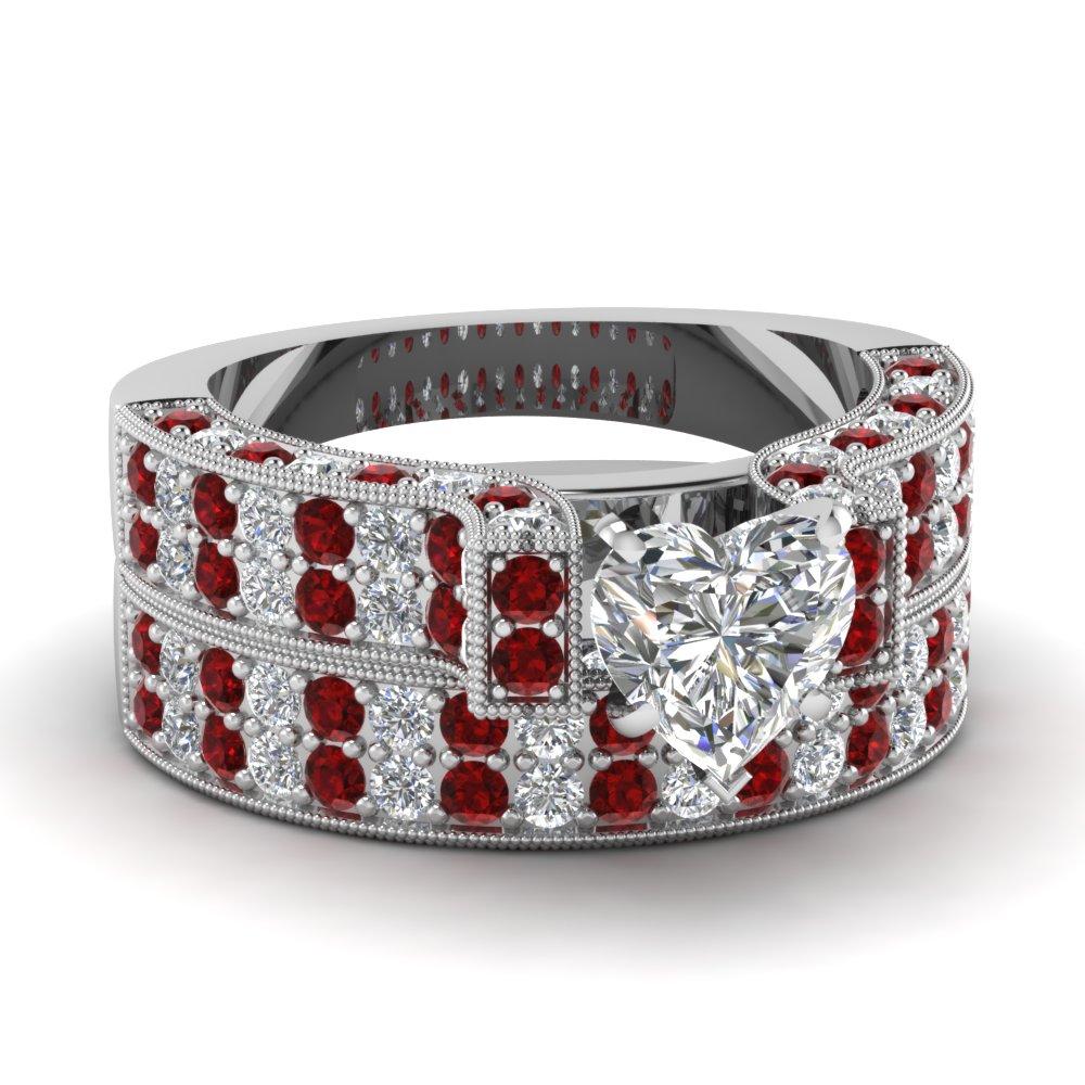 Regal Flamboyant Set Fascinating Diamonds