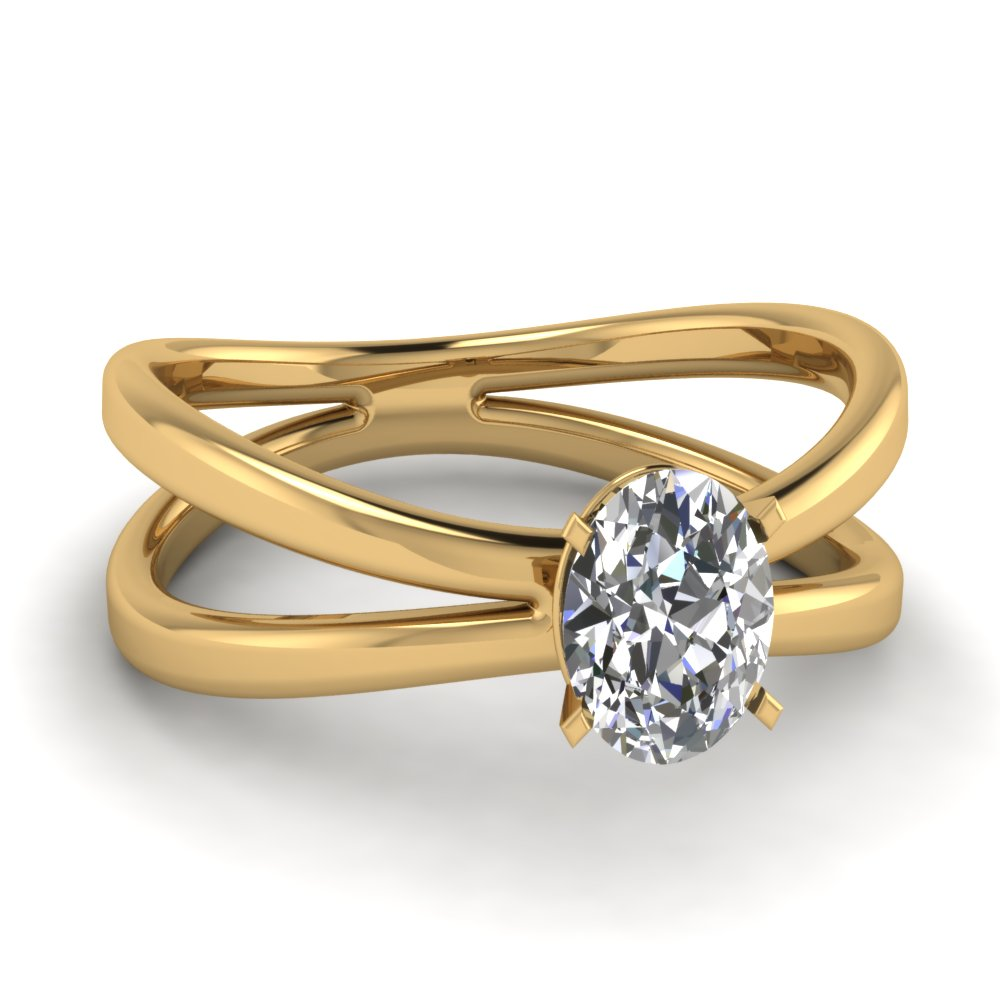 oval shaped engagement rings with white diamonds